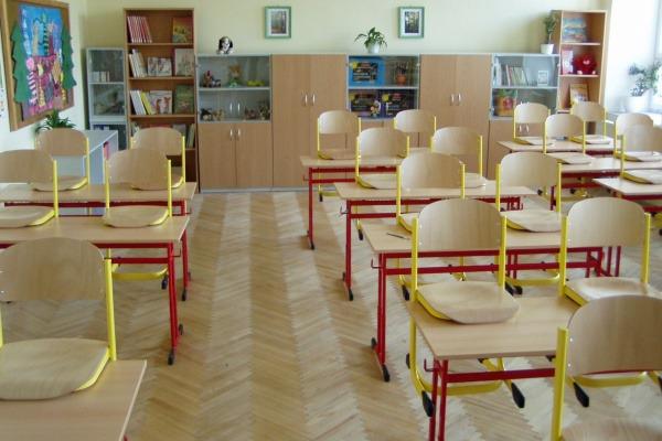 2009 Vybavení škol novým nábytkem